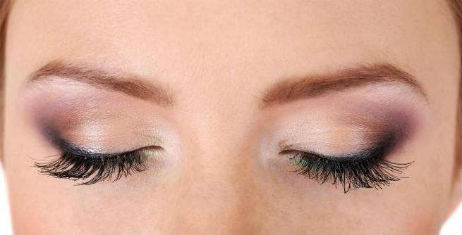 Best way to dye your eyebrows naturally using henna