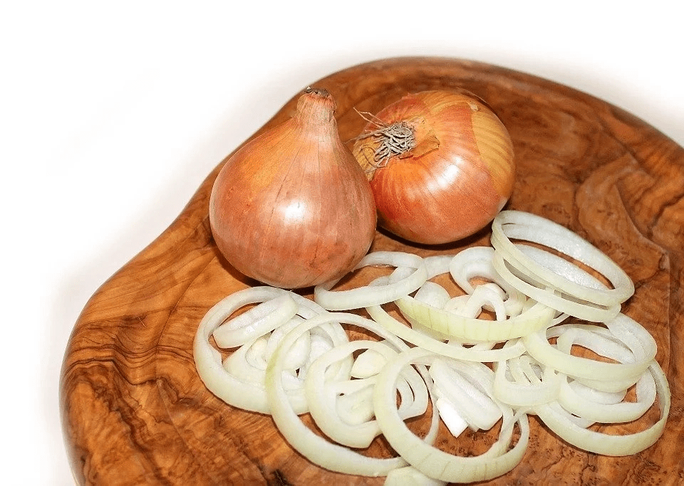 Onions for hair loss treatment