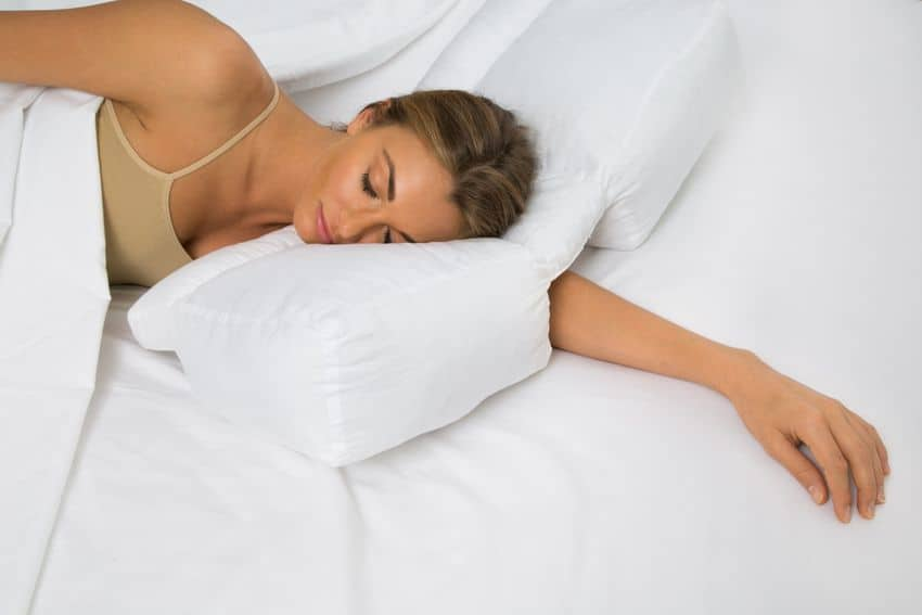 7 signs that you need to change your pillowcase
